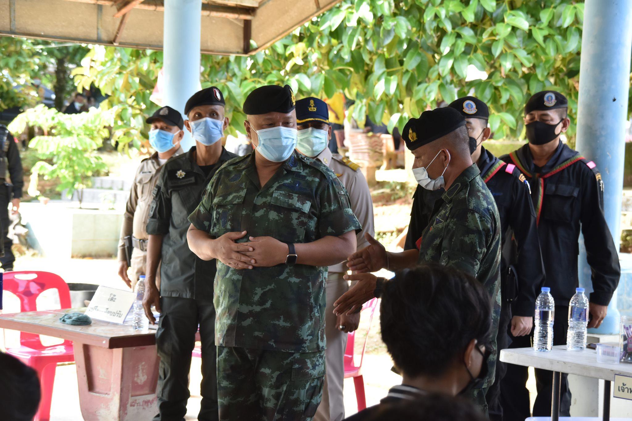 บรรยากาศตรวจคัดเลือกทหารวันแรก พื้นที่ จชต. มีชายไทยสมัครใจสมัครเข้าเป็นทหารเกินเป้าหมาย