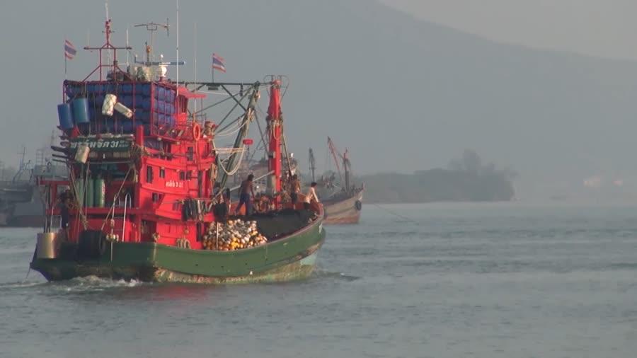 จ.สงขลา สมาคมประมงเตือนหมอกลงจัดในทะเล การเดินเรือประมง และเรือพาณิชย์ต้องใช้ความระมัดระวังให้มาก