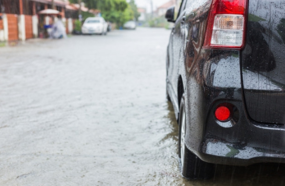 6 เทคนิคขับรถลุยน้ำ เมื่อเกิดเหตุจำเป็นควรปฏิบัติอย่างไร