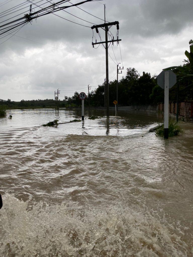 ป้ายทะเบียนรถ ท่านใดหล่นหายสามารถขณะน้ำท่วมถนนเส้นน้ำน้อย-สงขลา สามารถรับคืนได้