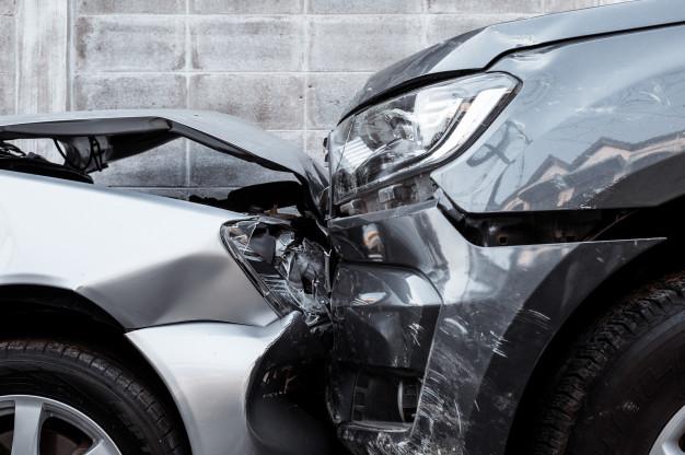 car crash accident street 76440 581 HATYAITODAY