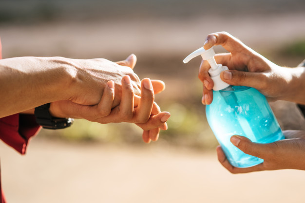 hands gel bottle wash hands squeeze others wash hands 1150 24721 HATYAITODAY