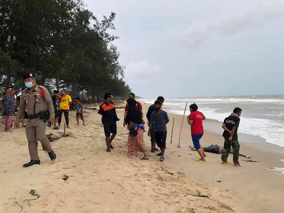 สลดชายหาดม่วงงาม ! พบศพลอยติดชายหาด สภาพศพไม่มีร่องรอยบาดแผล