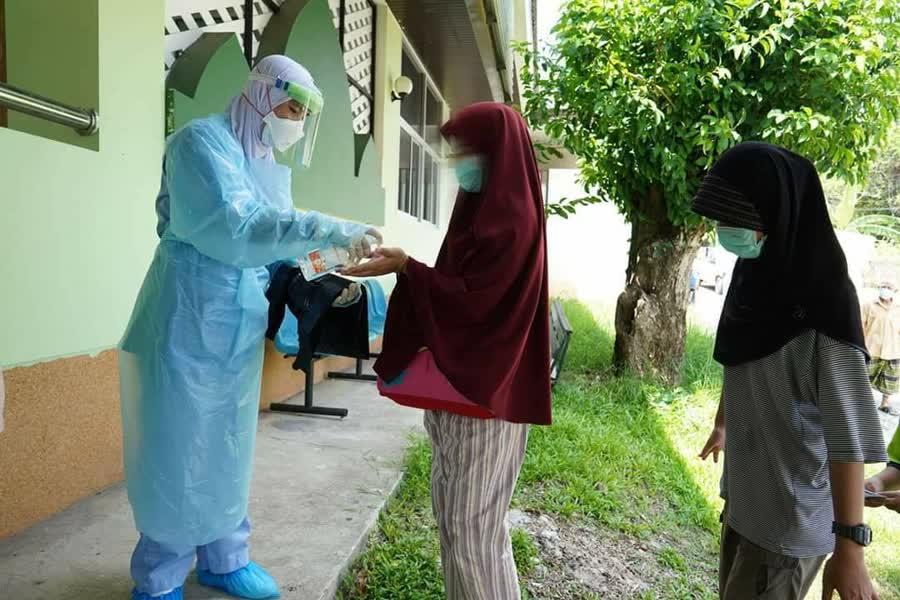 ชาวไทยในมาเลเซีย 36 ราย กลับไทยตรวจพบเชื้อ 3 รายรอผลตรวจเชื้อโควิด-19 เพิ่มอีก 2 ราย